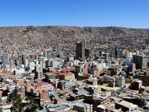 Bolivien La Paz Das Häusermeer ragt hinauf bis nach El Alto