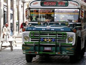 Bolivien La Paz Die schönen Retro Busse von Dodge