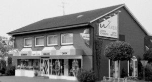 Saterland-Geschaeftshaus-Wilken-Augenoptik-Uhren-Schmuck